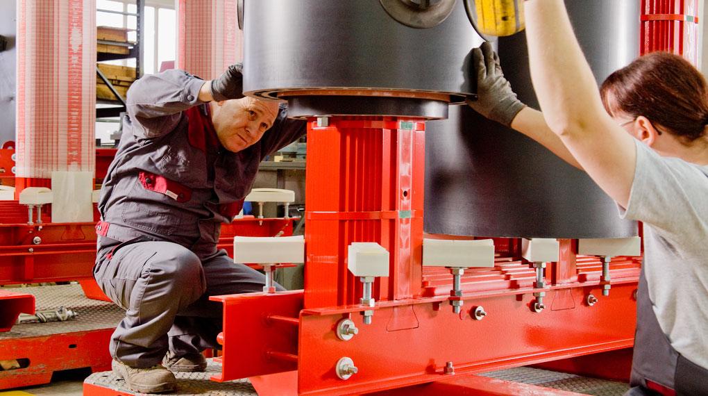 Montage eines Industrie-Transformators
