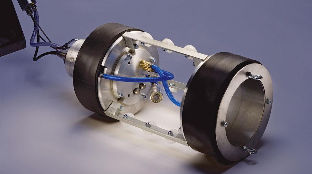 Professionelles Foto eines Muffenpruefer aus der Abwassertechnologie
